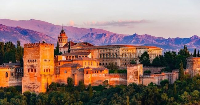 Experience living as a digital nomad in Granada, Spain.